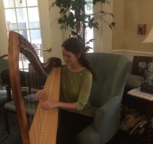 2016-9-11-deborah-playing-harp-at-tgp